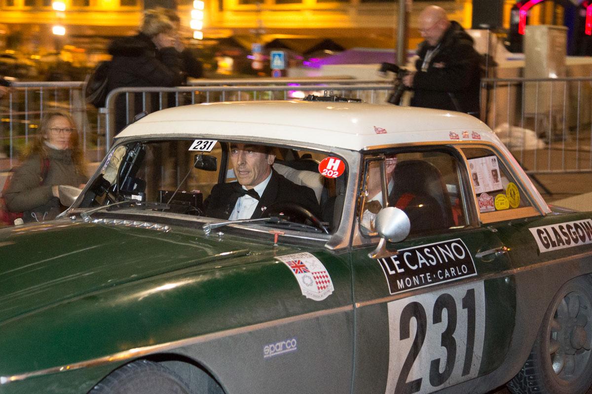 MG B, Bj. 1966, Beide im Smoking, die komplette Rallye lang!